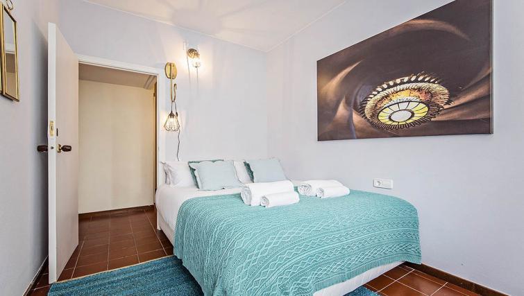 Double bed at Bailen Apartment - Citybase Apartments