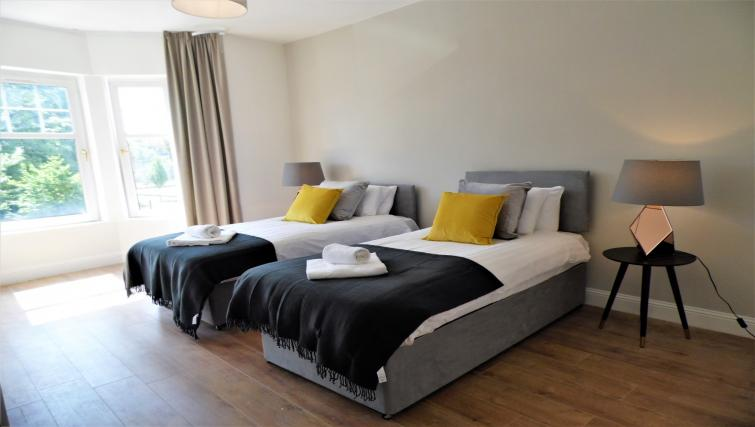 Spacious bedroom at Langlands House - Citybase Apartments