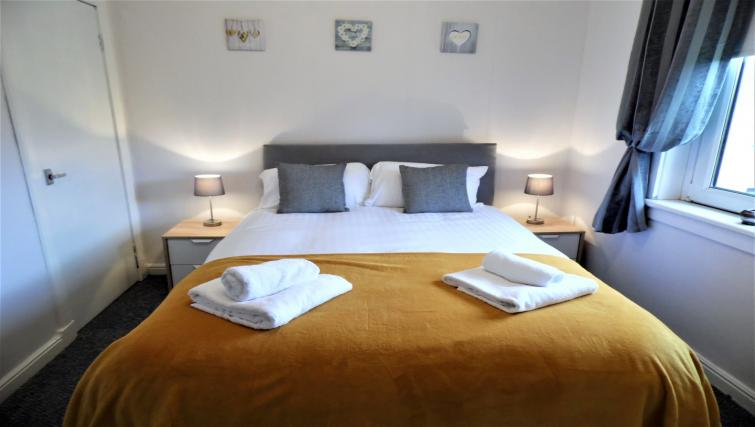 Double bed at Calder House - Citybase Apartments