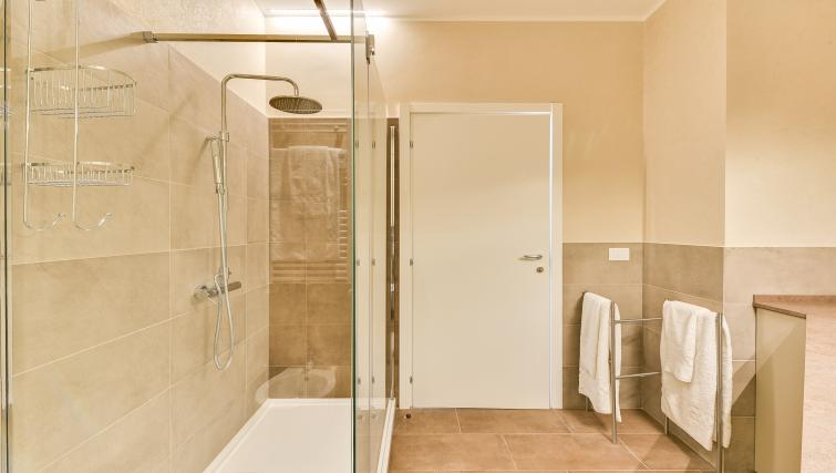 Bathroom at Duomo Apartments - Citybase Apartments