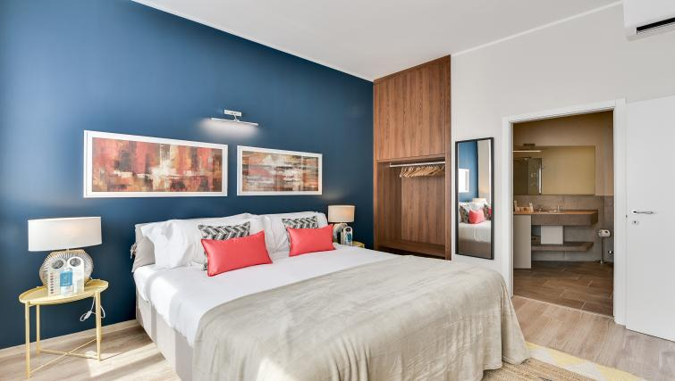 Bedroom at Duomo Apartments - Citybase Apartments