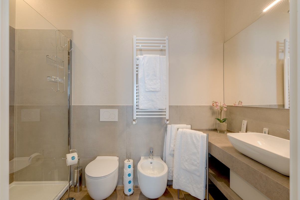 Modern bathroom at Duomo Apartments - Citybase Apartments