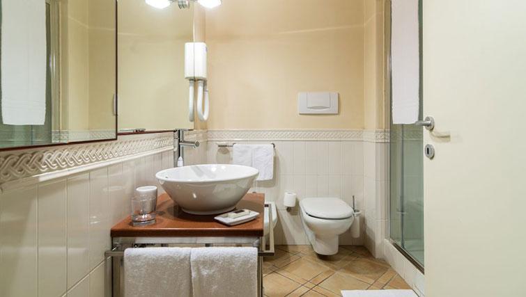 Batheroom atResidenza Ascanio Sforza - Citybase Apartments