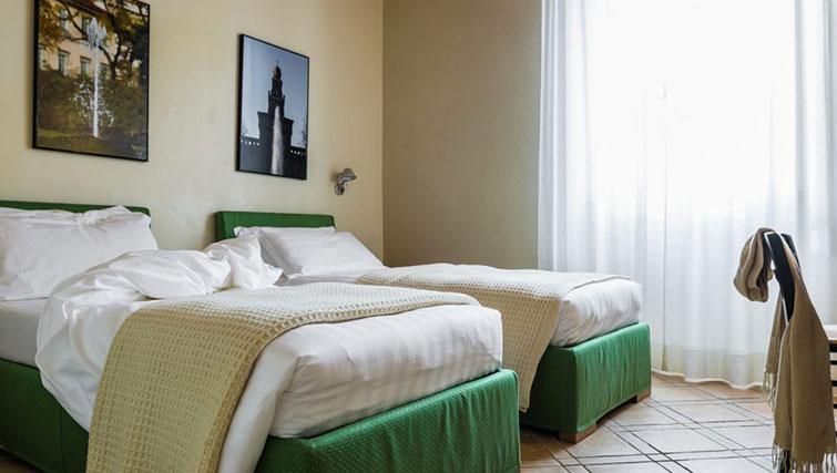 Twin beds at Residenza Ascanio Sforza - Citybase Apartments