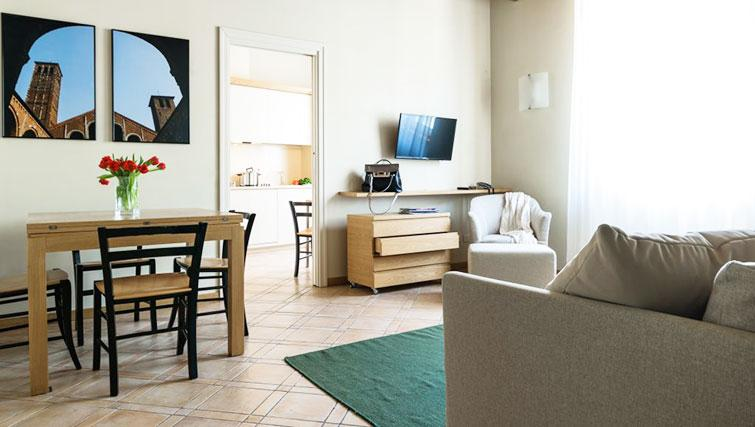 Living room at Residenza Ascanio Sforza - Citybase Apartments