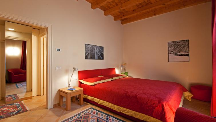 Double bed at Residenza Ascanio Sforza - Citybase Apartments