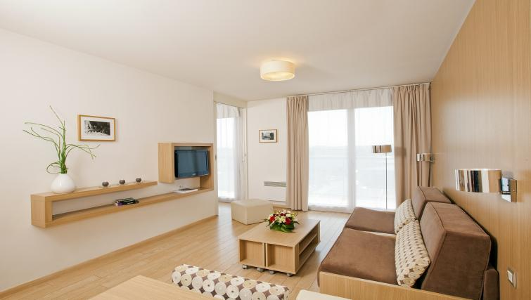 Living room at Residhome Carrieres la Defense - Citybase Apartments