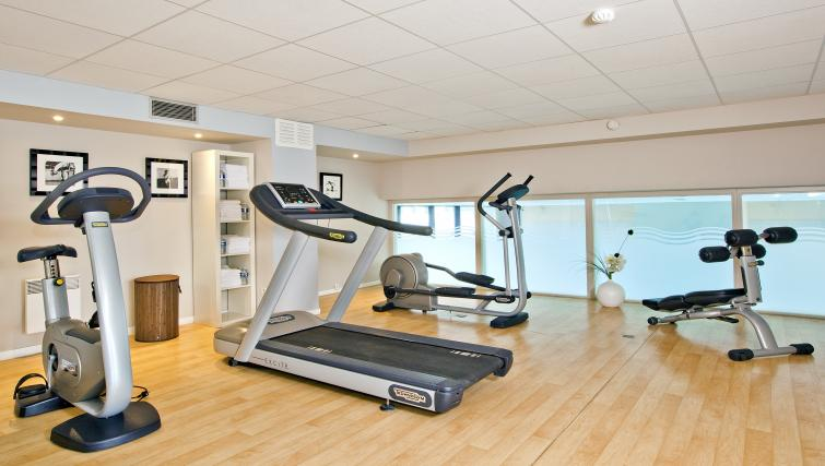 Gym at Residhome Carrieres la Defense - Citybase Apartments