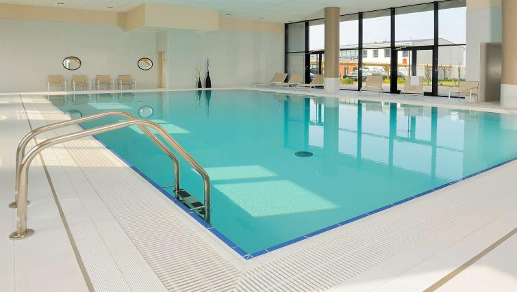 Pool at Residhome Carrieres la Defense - Citybase Apartments