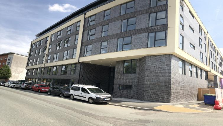 Exterior at Bridgewater Point Apartments - Citybase Apartments