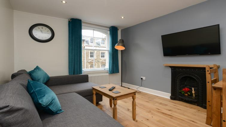 Living area at Market Street Serviced Apartments - Citybase Apartments