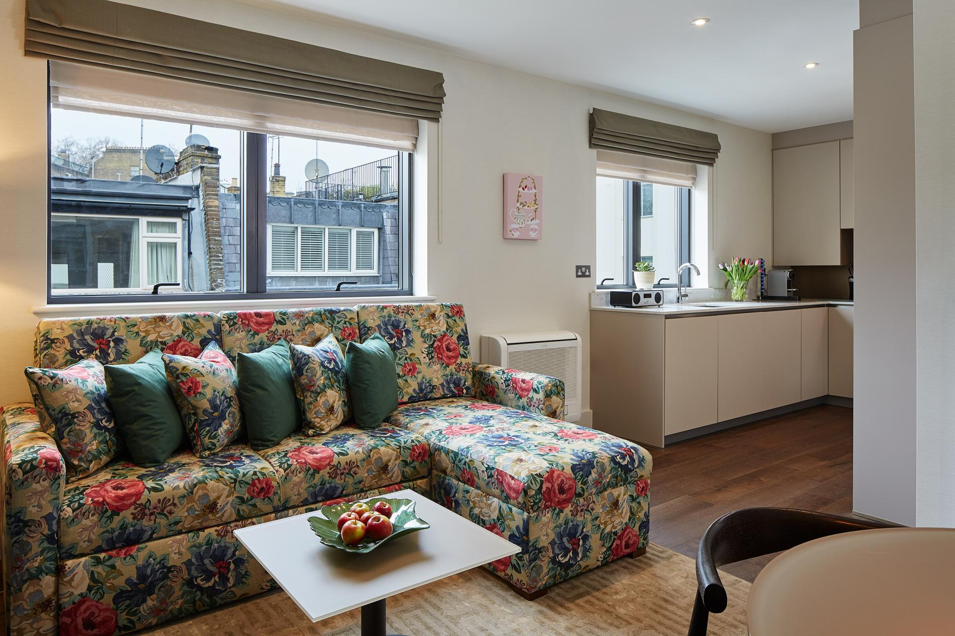 Living area at 29-31 Cheval Place Apartments, Knightsbridge, London - Citybase Apartments