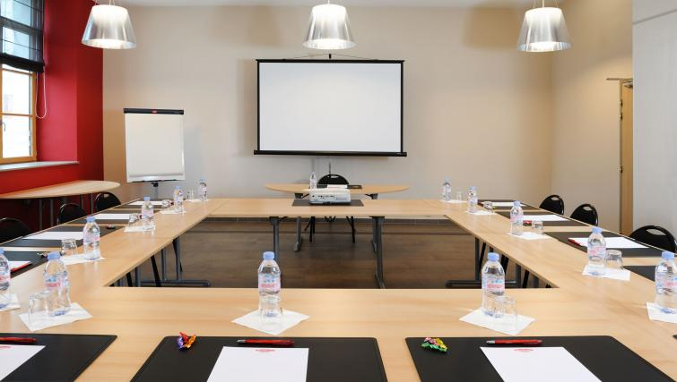 Meeting room at Residhome Caserne De Bonne - Citybase Apartments