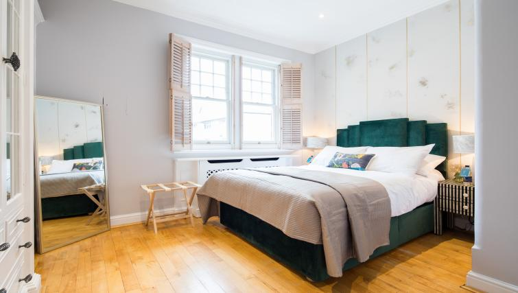 Bedroom at Chelsea Terrace Apartment - Citybase Apartments