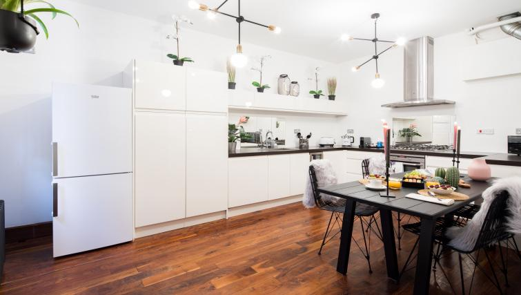 Kitchen at Chelsea Terrace Apartment - Citybase Apartments