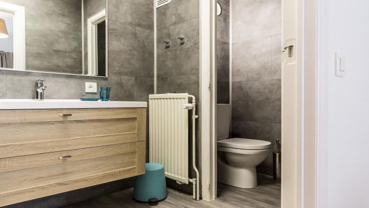 Modern bathroom at Avenue Michel Apartments - Citybase Apartments