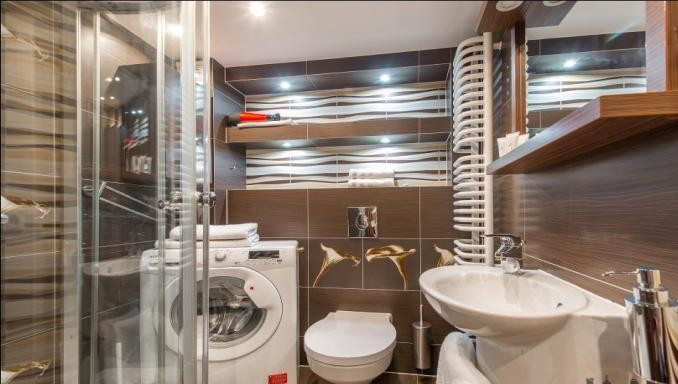 Bathroom at Hoza Apartment - Citybase Apartments