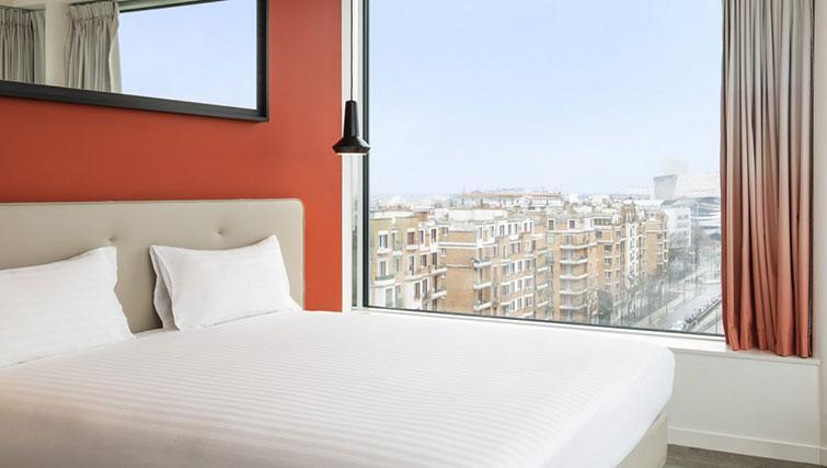 Bedroom view at Hipark by Adagio Paris La Villette - Citybase Apartments