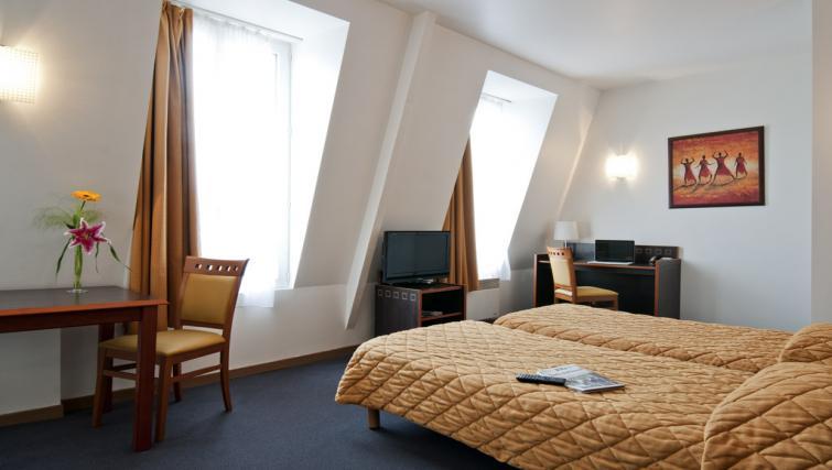 Twin room at Adagio Access Paris Philippe Auguste - Citybase Apartments