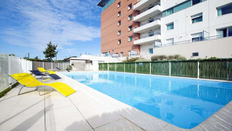 Pool at Residhome Occitania - Citybase Apartments