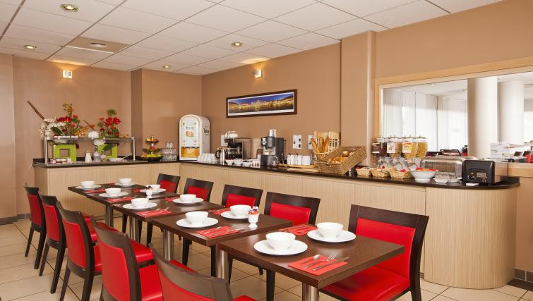 Communal restaurant at Residhome Occitania - Citybase Apartments