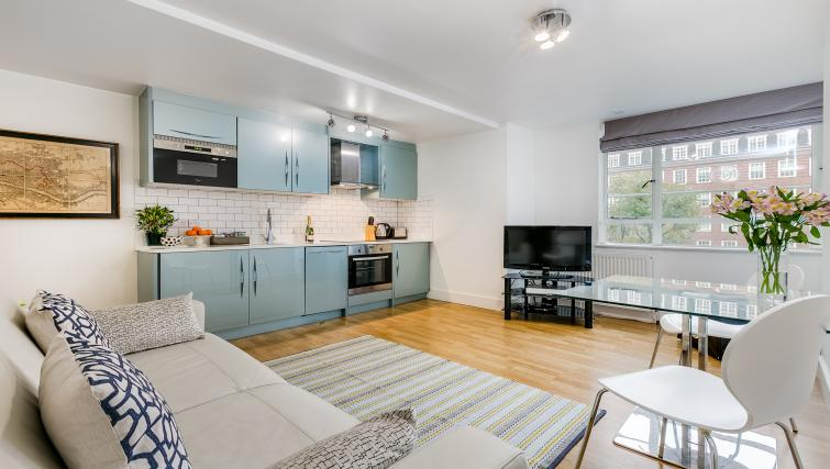 Kitchen at Nell Gwynn Chelsea Accommodation - Citybase Apartments