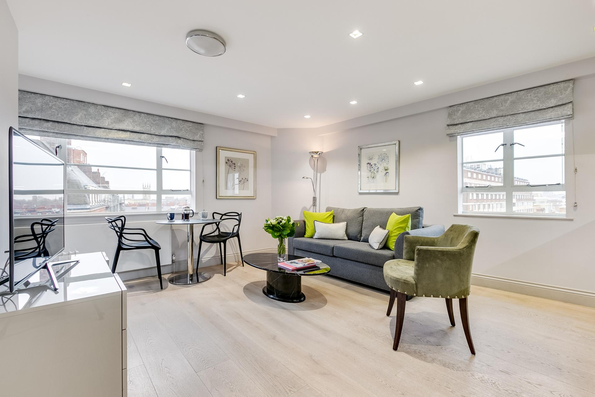 Living room at Nell Gwynn Chelsea Accommodation, Chelsea, London - Citybase Apartments