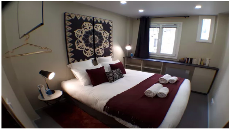 Bedroom at Duret Apartment - Citybase Apartments