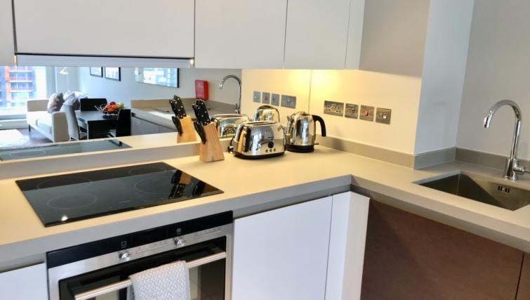 Modern kitchen at Cloud Canary Wharf Apartments - Citybase Apartments