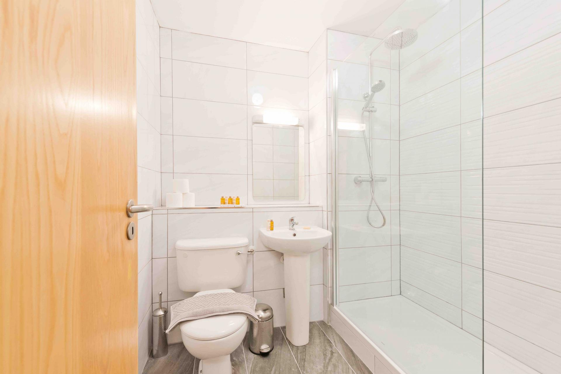 Shower at Sauls Court Apartments - Citybase Apartments