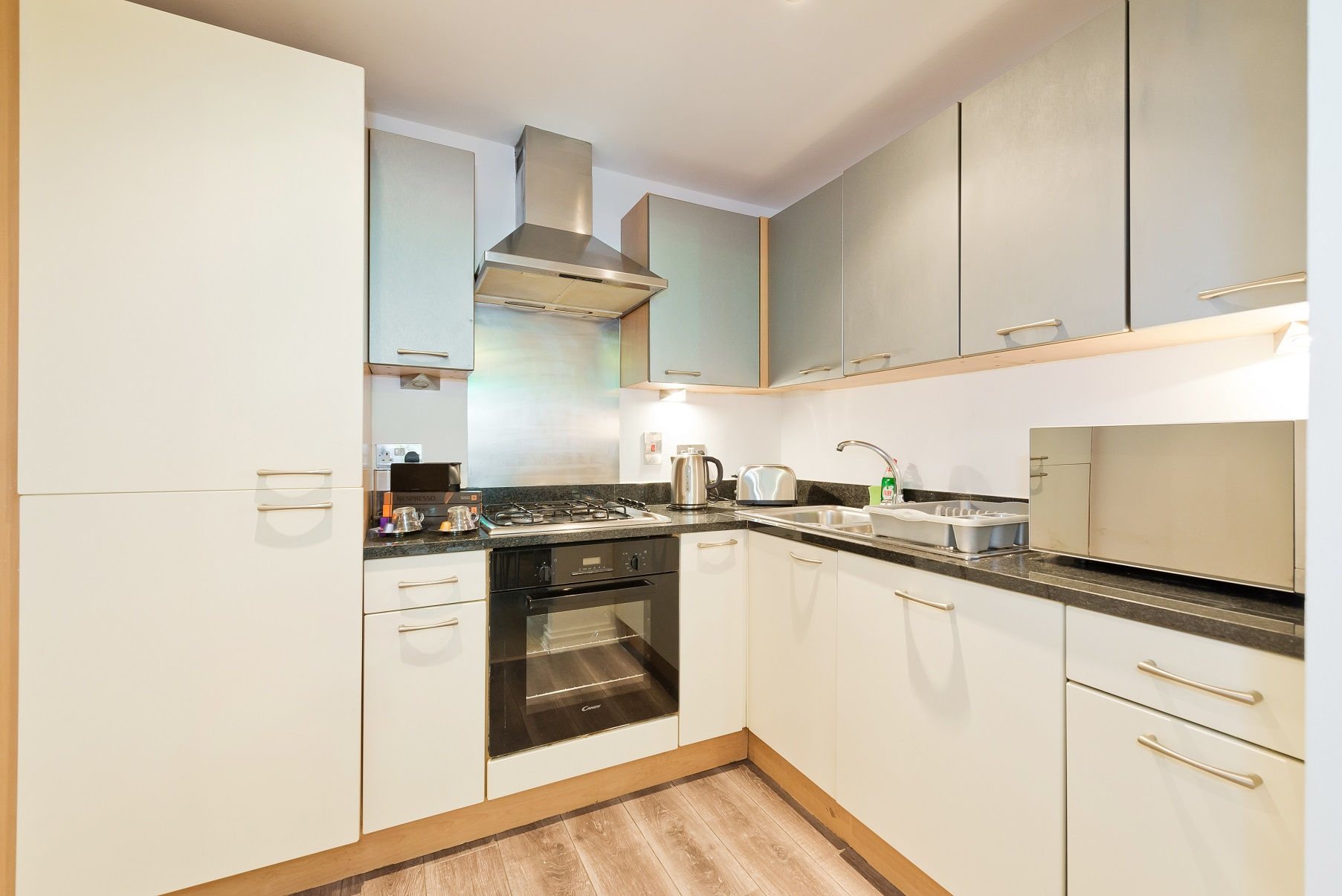 Modern kitchen at Barrow Street Serviced Apartments - Citybase Apartments