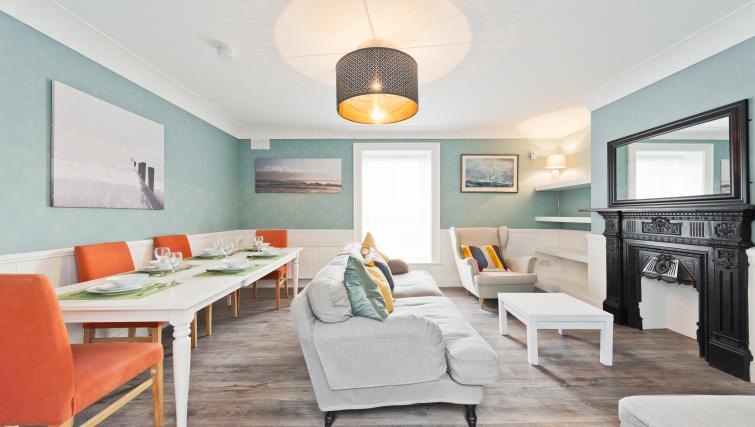 Living room at Thormanby Road House - Citybase Apartments