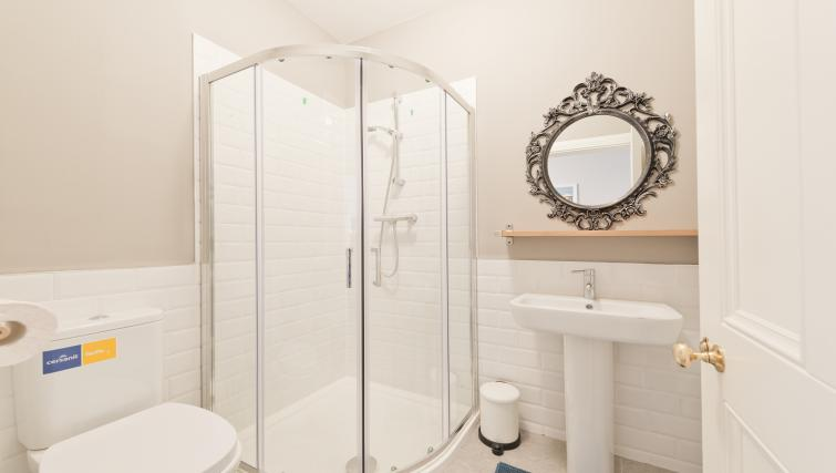 Shower at Thormanby Road House - Citybase Apartments