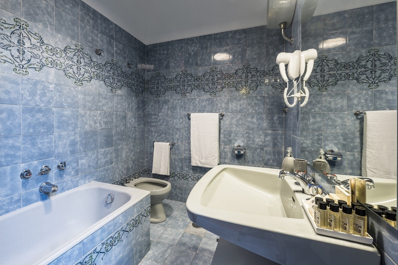 Bath at Nazionale Apartments - Citybase Apartments