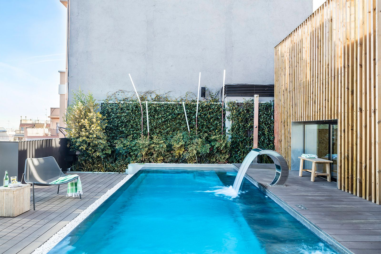 Pool at Onsider Apartments, Sarriá-Sant Gervasi, Barcelona - Citybase Apartments