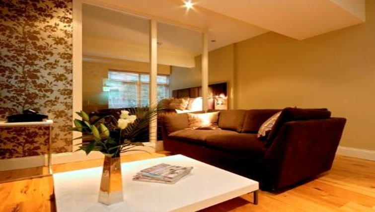 Attractive living area at King Road Apartments - Citybase Apartments