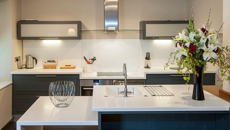 Spacious kitchen at King Road Apartments - Citybase Apartments