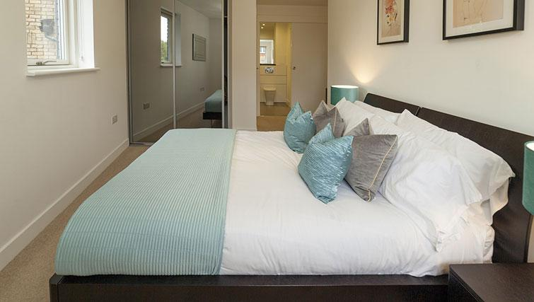 Stylish bedroom at Tower Bridge Serviced Apartments - Citybase Apartments