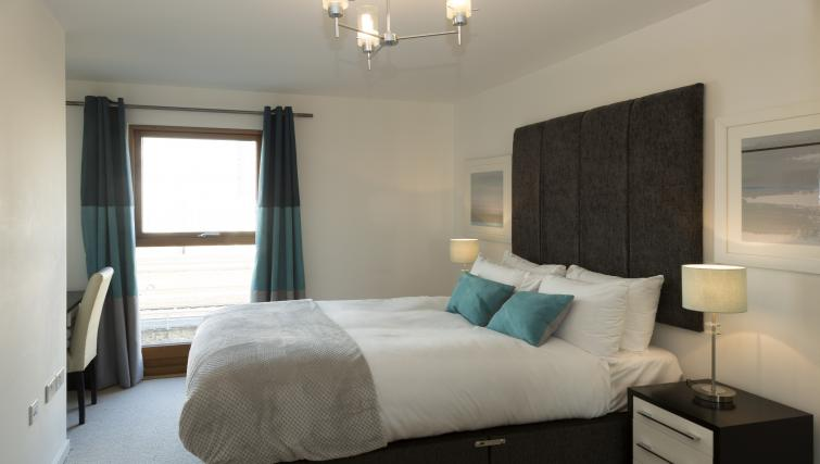 Double bed at Tower Bridge Serviced Apartments - Citybase Apartments