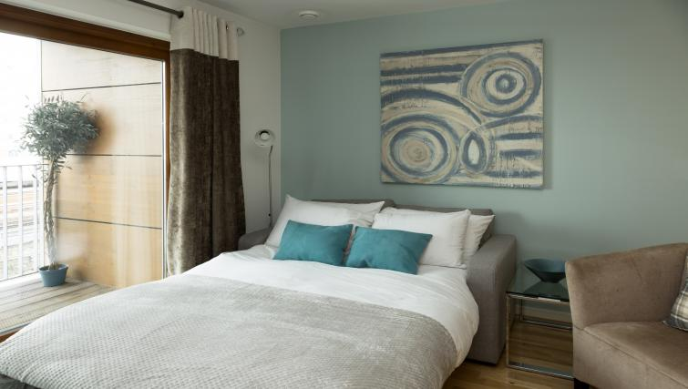 Modern bedroom at Tower Bridge Serviced Apartments - Citybase Apartments