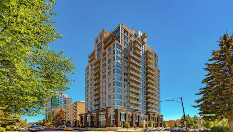 Exterior at Drake Apartment - Citybase Apartments