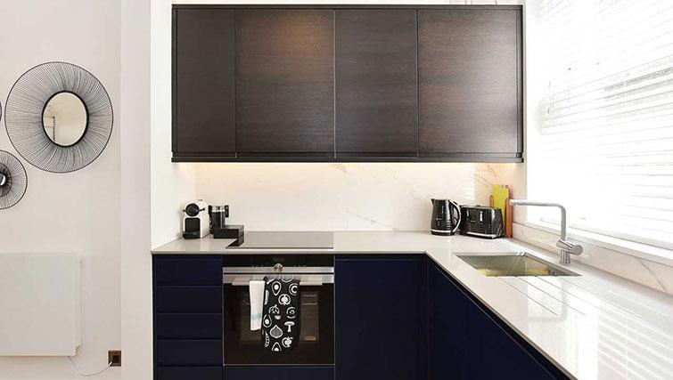 Kitchen at James Street Apartments - Citybase Apartments