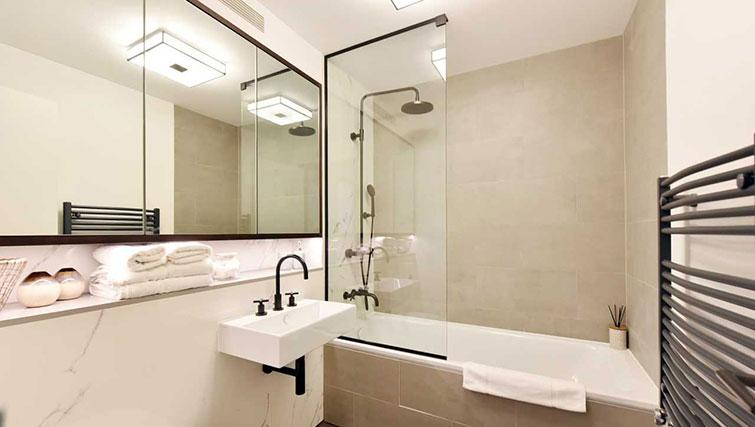 Bathroom at James Street Apartments - Citybase Apartments