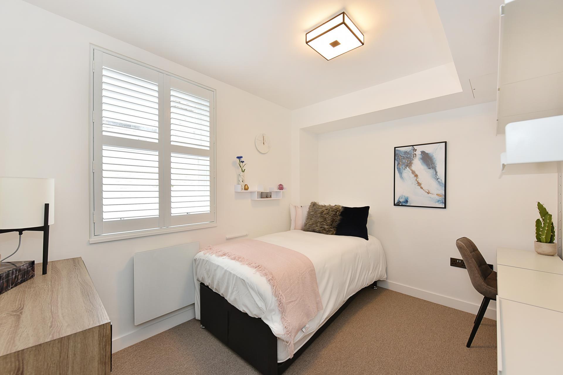 Single bed at James Street Apartments - Citybase Apartments