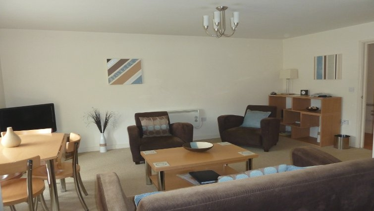 Bright spacious living area at Banbury - Citybase Apartments