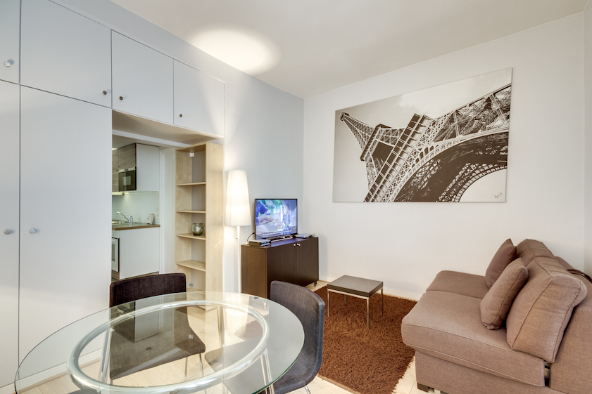 Lounge at Rue Du Mail Apartments - Citybase Apartments