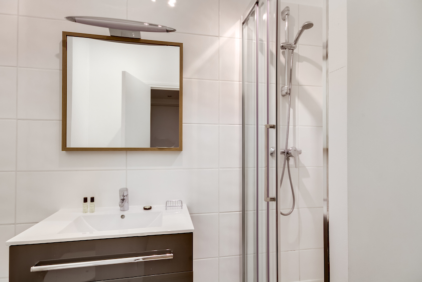 Shower at Rue Du Mail Apartments - Citybase Apartments