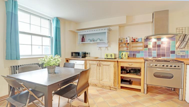 Kitchen at Pebble Mews House - Citybase Apartments