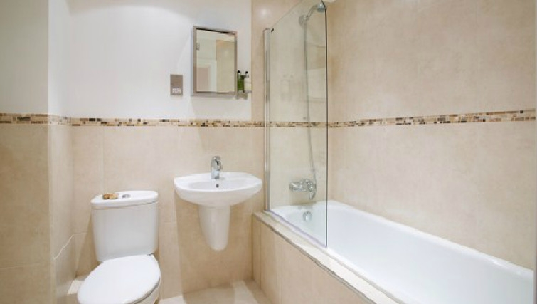 Classic bathroom in Old Library Apartments - Citybase Apartments