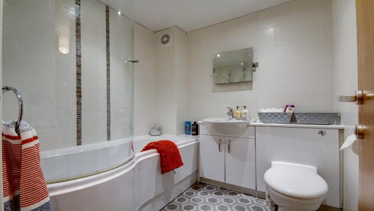 Bathroom at Azura Apartment - Citybase Apartments